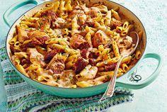 Unser beliebtes Rezept für One-Pot-Pasta mit Hähnchen & Tomaten und mehr als 55.000 weitere kostenlose Rezepte auf LECKER.de.