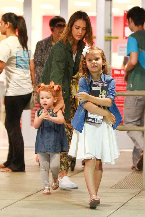 Jessica Alba Amp Family Celebrate Honor S Birthday Jessica