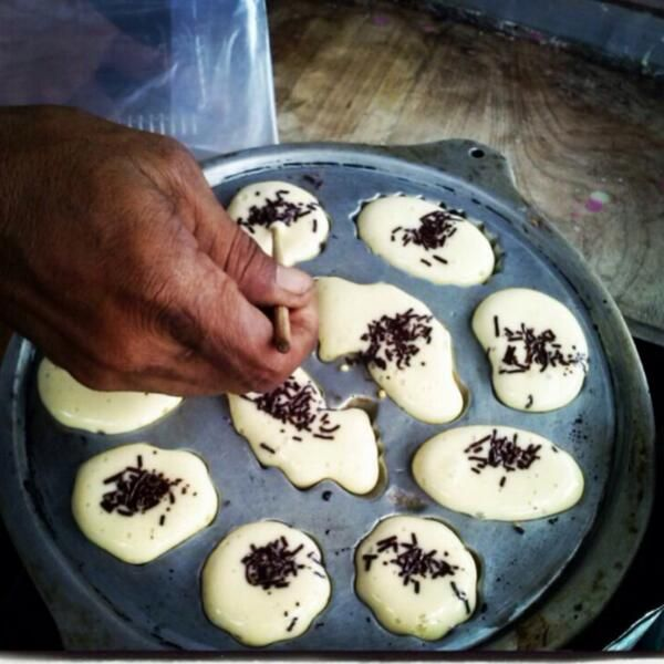 Kue Cubit the best cake from Indonesia.