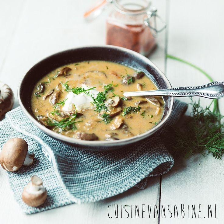 Heerlijke Hongaarse champignonsoep met dille   Delicious Hungarian mushroom soup