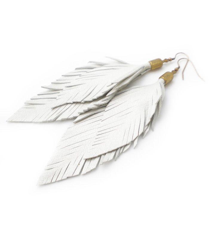 Feather-Earrings made from white leather | Federohrringe aus weißem Leder