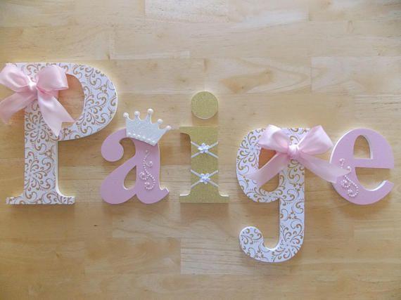 Princesa letras letras color rosa blancas y oro