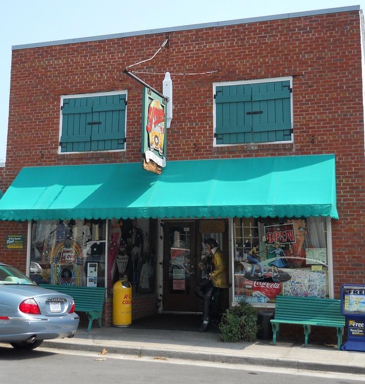 Yana's Ye Olde Drugstore Diner - Swansboro, NC