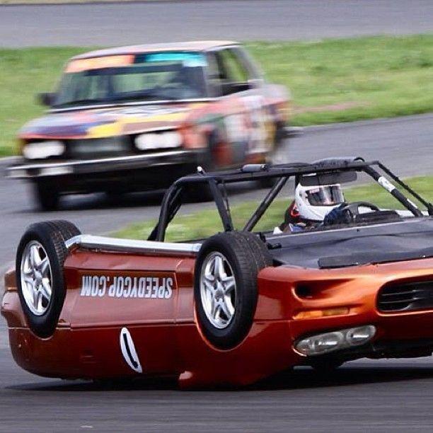"@Renato Calixto Street's photo: ""No, it's not photoshop! Upside down racecar revealed for 24 Hours of LeMons race! #superstreet #speedycop #upsidedown #racecar #festiva #camaro #njmp"""