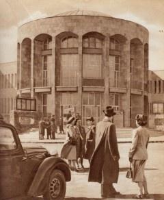 Il centro culturale MOM in 1958
