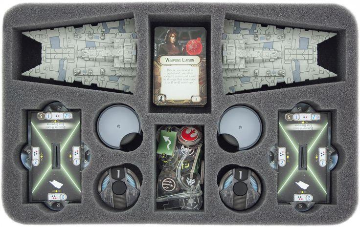 Speziell für den Star Wars Armada Angriffsfregatten Fregatten Mark II (Assault Frigate Mark II) gefertigte Schaumstoffeinlage für perfekten Schutz. Die Matte ist für zwei Angriffsfregatten plus Bases konzipiert. Drei kleinere Fächer für Karten, Token oder Zubehör komplettieren die Schaumstoffeinlage.  http://onlineshop.kohli.de/science-fiction-tabletop/star-wars-armada/schaumstoffeinlagen/3115/star-wars-armada-angriffsfregatten-fregatten-mark-ii