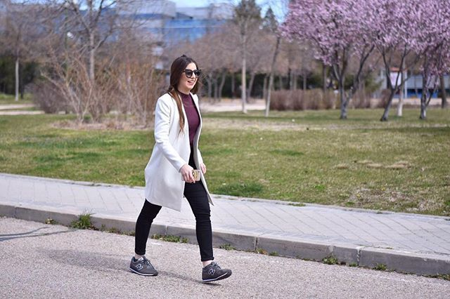 Hello April  #ootd #madrid #style #fashion #look #newbalance #shoes #outfitoftheday #outfit #primark #trousers #topshop #jumper #sunnies #zara #whitecoat #coat #spanishfashion #modaespañola #maccosmetics #makeup #beauty #photography #fashionphotography #nofilter