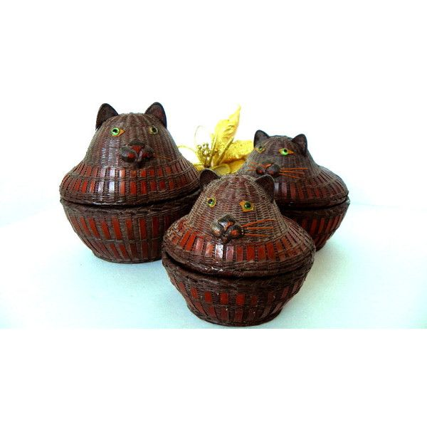 Antique Wicker Nesting Cat Baskets Set of 3 Very Old Baskets (64 AUD) ❤ liked on Polyvore featuring home, home decor, small item storage, wicker cat basket, wicker baskets, wicker basket set, cat home decor and cat basket