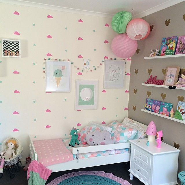 Shared girl's room by the talented 'Interiors by Mandy' mandymk79 on Instagram