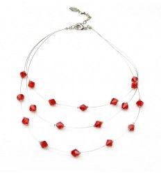 Halskæde med røde sten, i tynd metal tråd