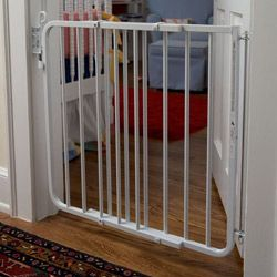 Cardinal Gates Auto-lock Safety Gate - Overstock™ Shopping - Big Discounts on Cardinal Gates Child Gates