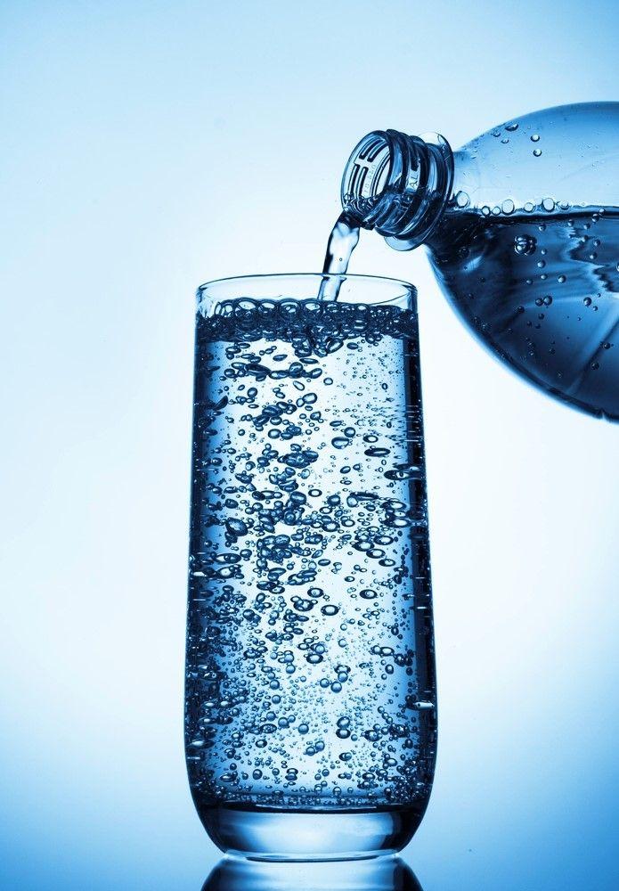 Günde en az iki şişe tüketilen maden suyu vücudun tüm mineral ihtiyacını karşılıyor ve aynı zamanda mide hastalıklarına iyi geliyor, şeker hastalığı ve gutun tedavisinde, böbrekteki taş oluşumunun engellenmesinde de uzmanlarca tavsiye ediliyor. Maden suyu vücuttaki sıvı dengesinin sağlanmasında da önemli rol oynuyor.