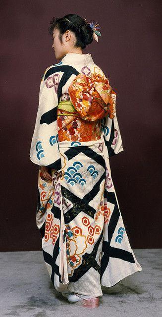 Folklorique: The taste of Petrol and Porcelain | Interior design, Vintage Sets and Unique Pieces www.petrolandporcelain.com Kimono