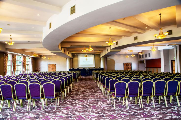 Catering for up to 700 Delegates the Hilton Edwards Suite is a fantastic venue to hold your conference.  The room overlooks the River Slaney with a balcony around the room. www.riversideparkhotel.com
