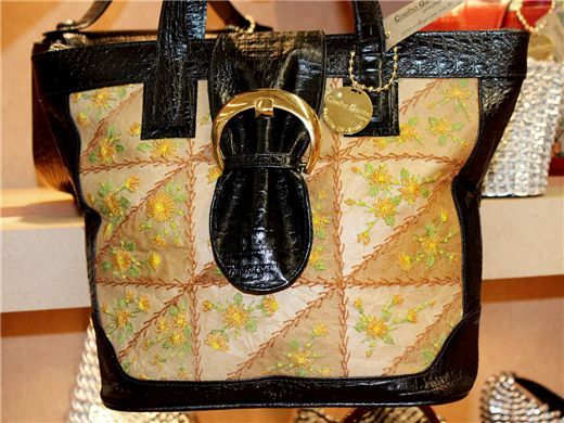Bolsa bordado no saco de cimento e filtro de café descartados - patchwork