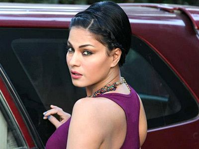 Veena Malik lost almost 9 kgs for her film Supermodel!