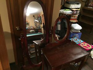 Vanity and Stand up Mirror set for sale