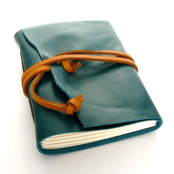 Handmade Leather Journal/ caderno com capa de couro                                                                                                                                                                                 Mais