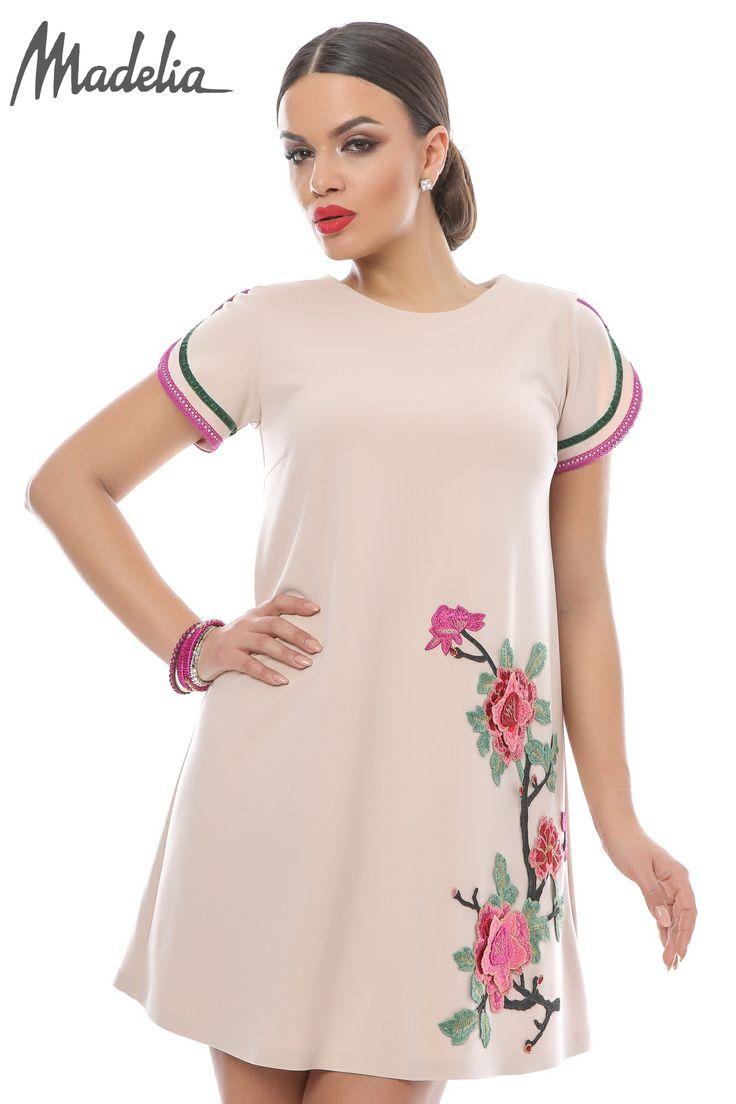 Rochie roze cu aplicatii florale | Madelia Fashion - Magazin online haine și rochii de damă