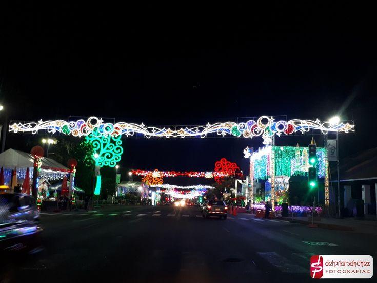 Navidad en Avenida de Bolívar a Chávez #Managua #Nicaragua #fotografía de #delpilarsanchez
