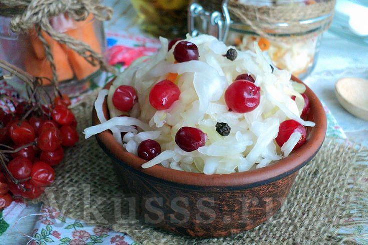 Сочная и полезная квашеная капуста с клюквой, рецепт