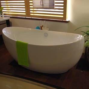 Ferrara Badewanne freistehend 1800x850mm in Acryl weiß, Abverkauf aus unserer Bäderausstellung, die Wanne ist relativ neu, muss allerdings aus Platzgründen weichen, den Preis für dieses Ausstellungsstück erhalten Sie, über das Kontaktformular