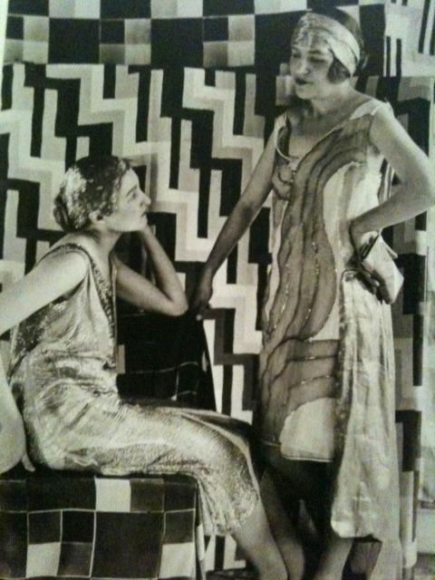 Sonia Delaunay, two models i boulevard Malesherbes studio, 1925, photo by Germaine Krull
