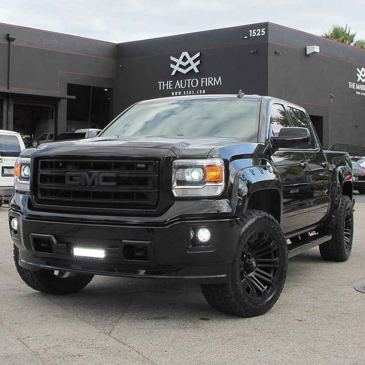 """""""Avorza GMC 1500 Sierra... All Black Everything... Available for purchase at our official Avorza Chevy Dealer... Lorenzo Bomnin Chevrolet, 8455 S. Dixie…"""""""