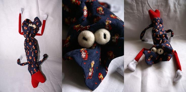 Krawaciak walenciak. Recykling krawatowy