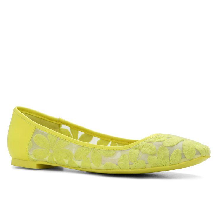 aldo shoes 40s inspired makeup of sue