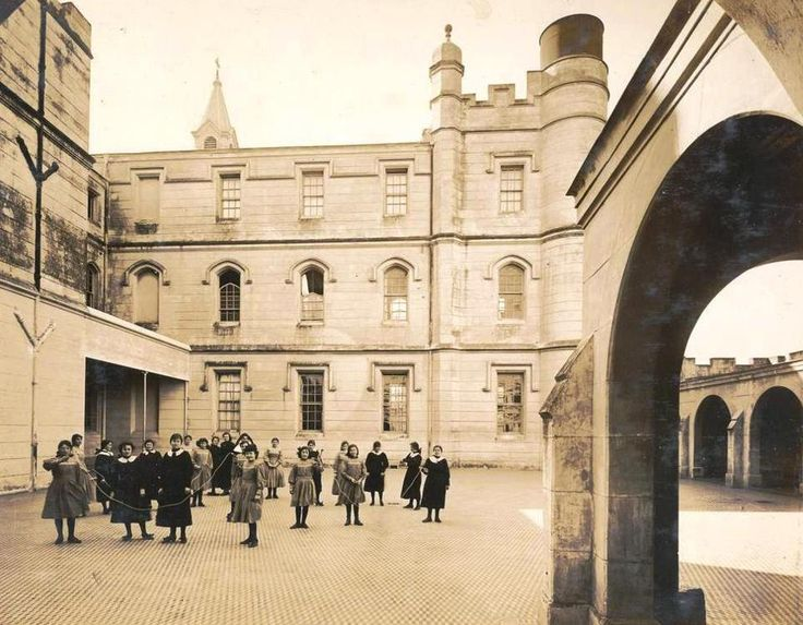 1890's Asociación Católica Irlandesa. Asilo de Huérfanos