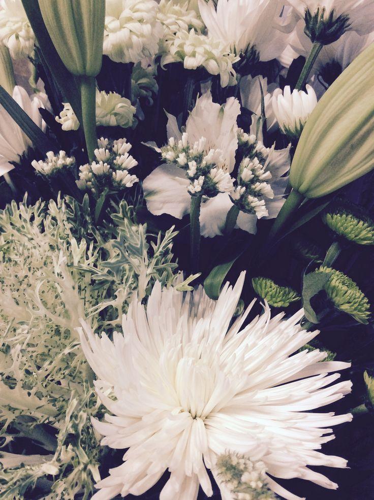 Beautiful Green & White Blooms never fail! www.simplystems.com.au // Boutique Florist Shepparton