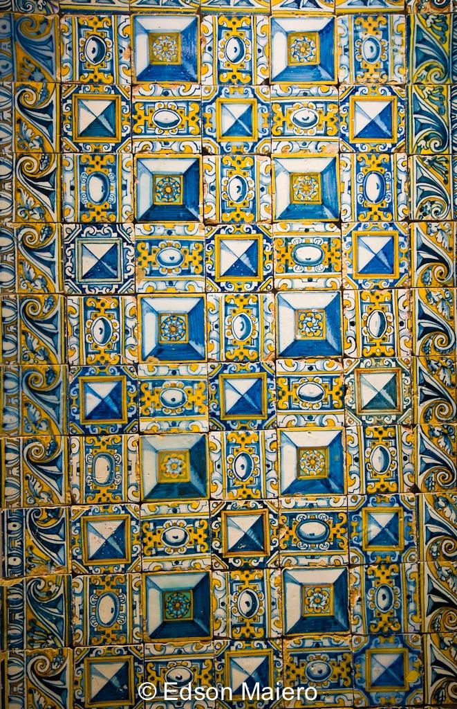 azulejos with ponta de diamante pattern, end of 16th century