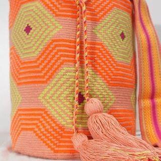 🍊🍊buenos días !! A disfrutar del finde que ha sido duro volver a la rutina 😘 #wayuuespaña #wayuubags #wayuu#bohemian #bohostyle #gypsy #boho#colors#accesories #madrid#bilbao#huesca#cadiz #santander #islascanarias #tenerife #mallorca#guajira