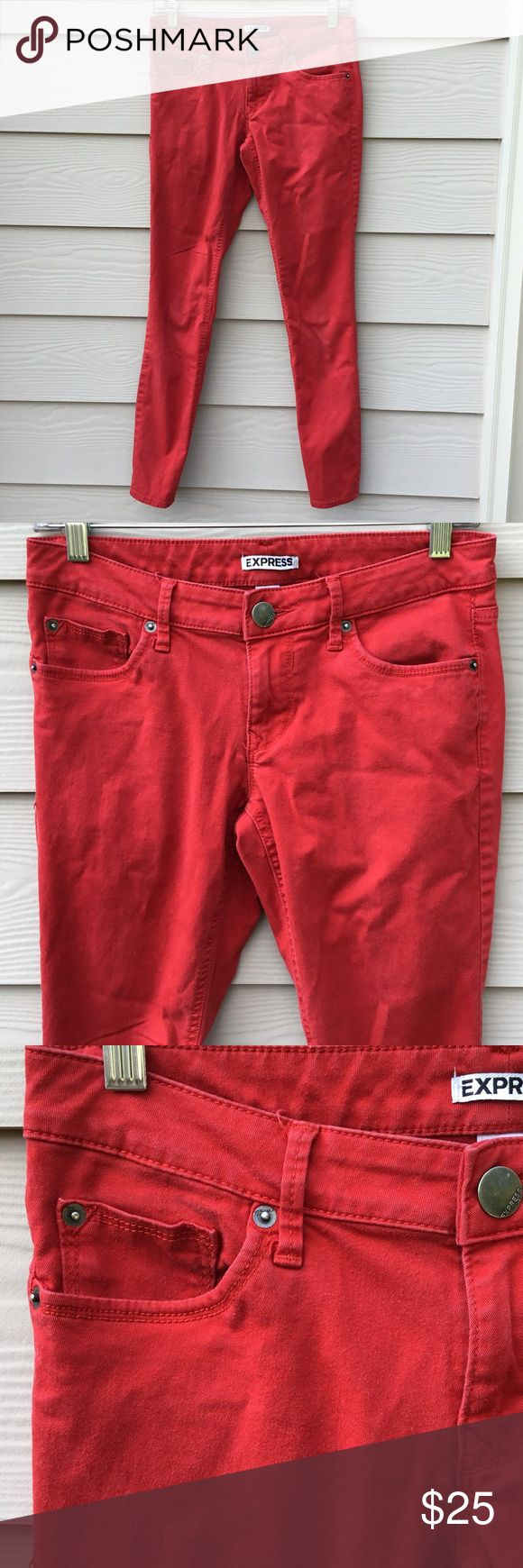 "EXPRESS red skinny pants size 6 98% cotton, measurements laying flat : total length 36"", Inseam 29"", waist 15"", Express Pants Skinny"
