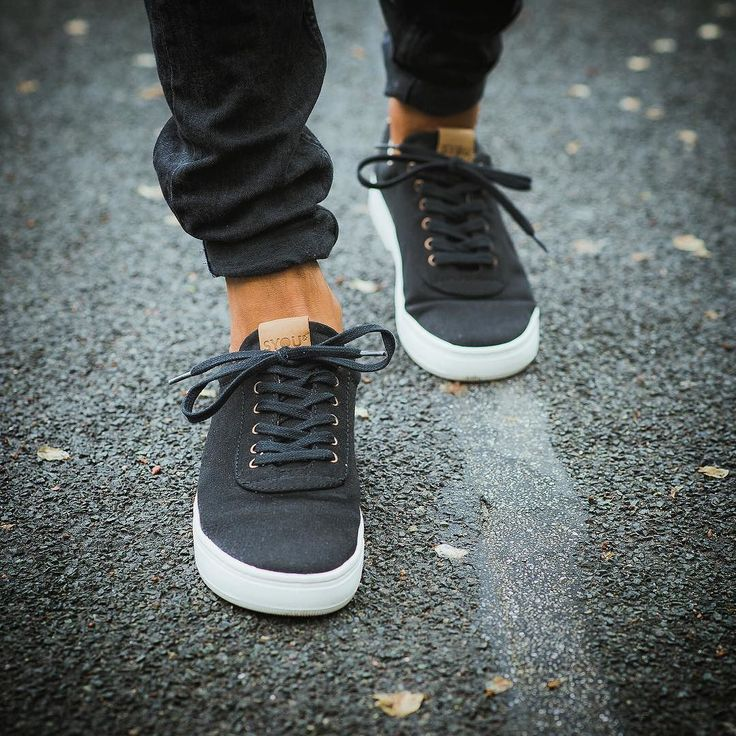 """""""I am a slow walker but I never walk back.""""Abraham Lincoln #SYOUandColombia #quote #abrahamlincoln #MadeinColombia #sneakers #WalkWithUs"""