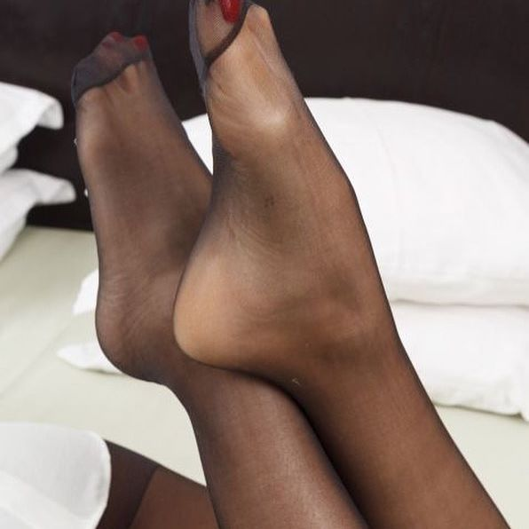 Nylon Feets 39