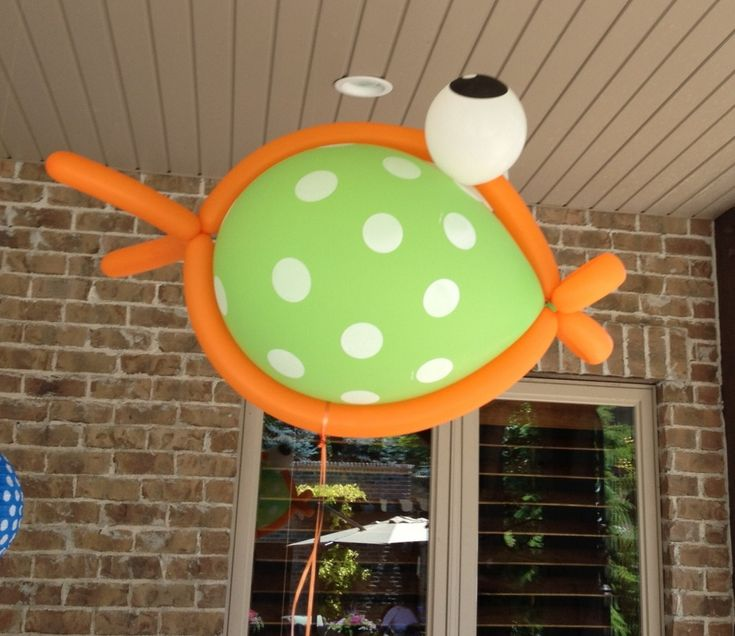 Swim Party Decorations -Giant Fish Balloons- they make a great take home gift for the kids tied to a bottle of bubbles!