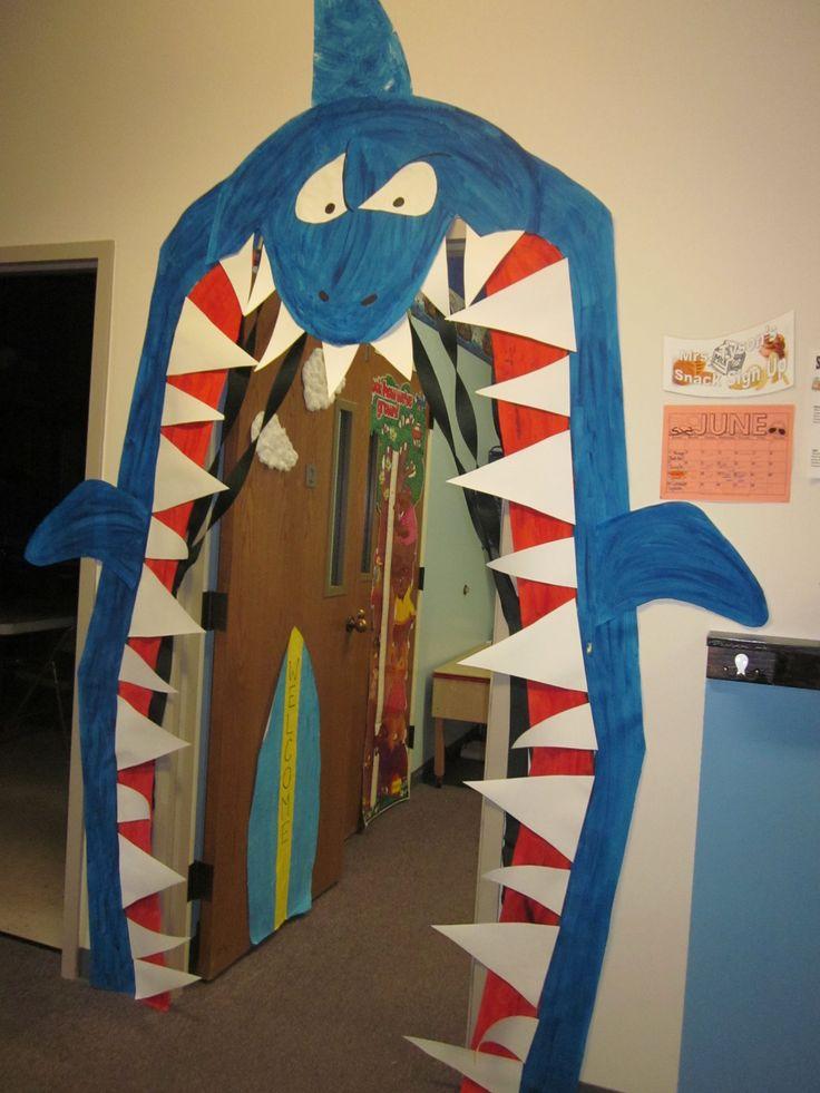 Shark door i made for splish splash week preschool ocean for Decoration theme jardin
