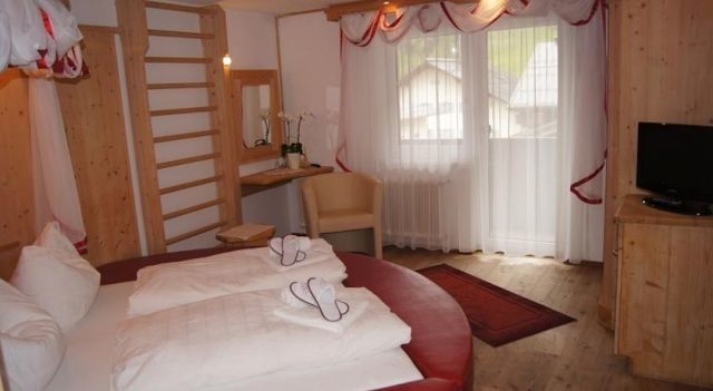 Hotel Manfred - 3 Sterne #Hotel - EUR 77 - #Hotels #Österreich #SanktAntonAmArlberg http://www.justigo.lu/hotels/austria/sankt-anton-am-arlberg/manfred_42488.html