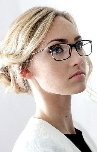 VendelaJ - blaue Haare - blonde Augen - Greens Modelagentur