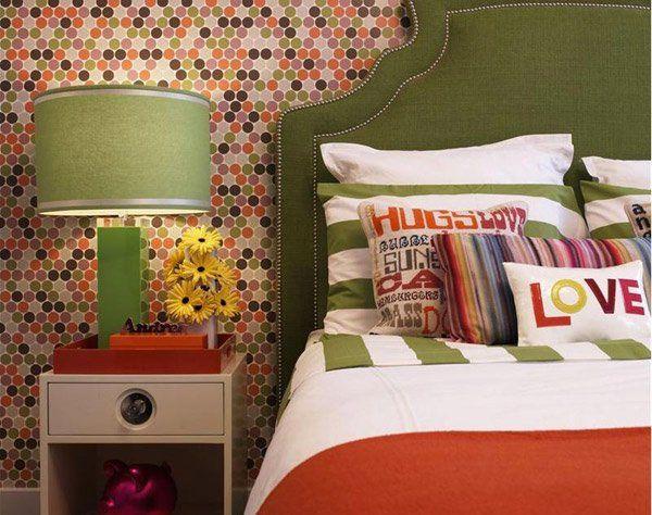 15 Funky Retro Bedroom Designs