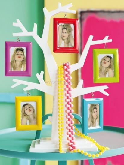 Ramki na zdjęcia WANTED Family Tree kolorowe  http://www.citihome.pl/ramki-na-zdjecia-wanted-family-tree-kolorowe.html