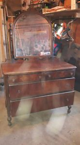 1957 antique acorn post dresser 4 sale with mirror Belleville Belleville Area image 1 $125 dresser Shannonville