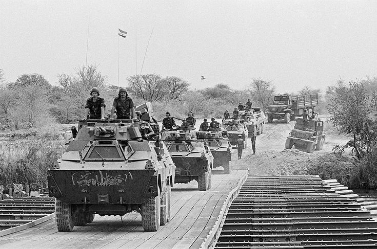 SADF withdrawal from Southern Angola 1988 | A convoy of Rate… | Flickr - Photo Sharing!