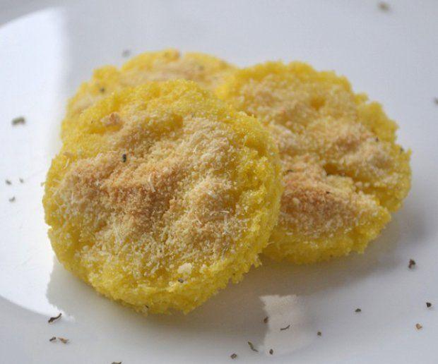 Polentataler mit Parmesan