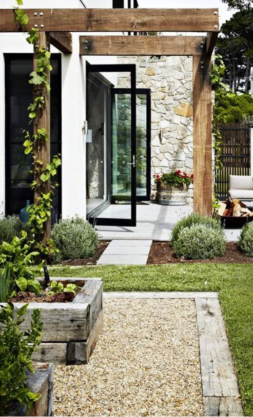 White, black and stone. Also love the pea gravel and raised railway-sleeper vegg