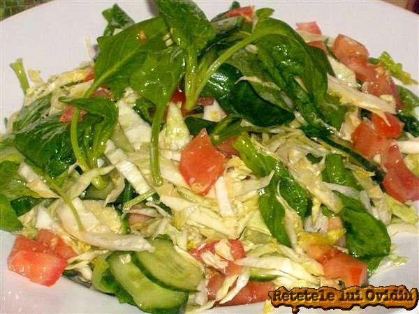 Salata de spanac proaspat, rosii si castraveti   Papamond