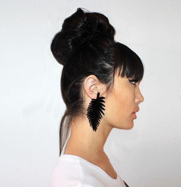 Aliexpress.com: Acheter Rue Fashion Designer marque bijoux exagérée feuilles boucles d'oreilles pour femmes acrylique grande Dangle boucle d'oreille de boucles d'oreilles en ivoire fiable fournisseurs sur Supersell International Co.,Ltd