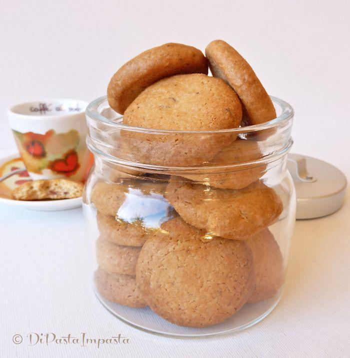 Biscotti di farro e mandorle